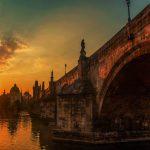 גשר קארל בפראג לאור השקיעה